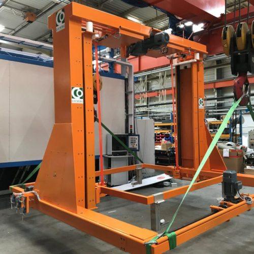 Robot de chargement utilisé pour transporter les produits fabriqués par la chaudronnerie Marmonier