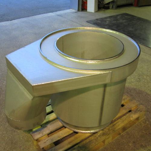 Support de ventilation en acier, prêt à être livré à un client de la chaudronnerie Marmonier région de Lyon (Rhône 69)