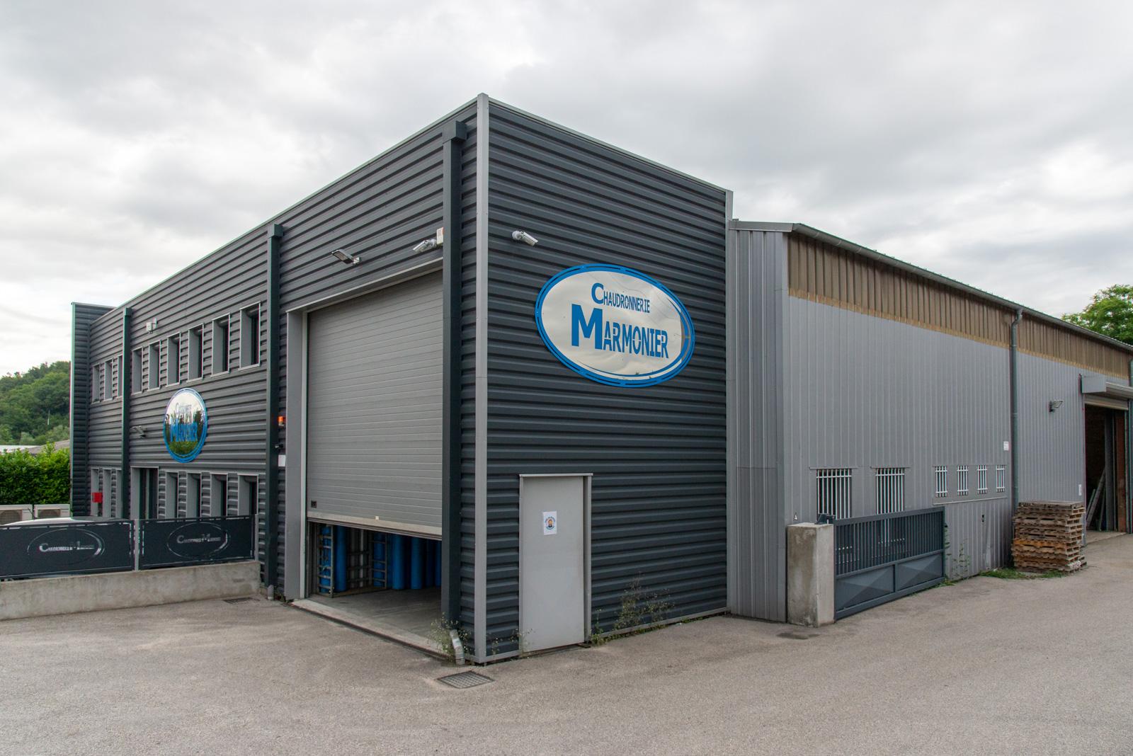 Photo extérieure de l'établissement Marmonier, chaudronnerie industrielle spécialisée dans la transformation de l'acier