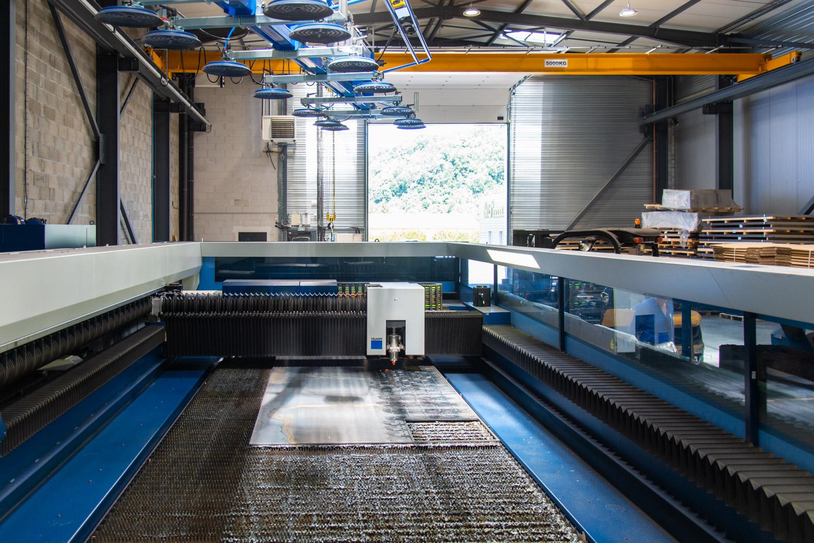 Machine de découpe laser 6000 x 2000 6 kW C02 – True Laser 5060 de la chaudronnerie Marmonier