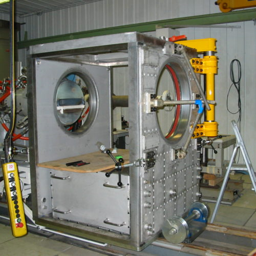 Image d'une enceinte refroidie dans l'atelier de la chaudronnerie Marmonier dans la région de Grenoble (Isère 38)