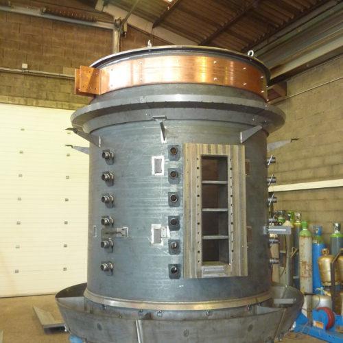 Image d'un four de fusion minerais, produit dans les ateliers de la chaudronnerie Marmonier en Rhône-Alpes, France