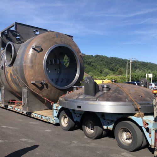 Four sous vide de 3,80m à l'usine de la chaudronnerie Marmonier pour effectuer la maintenance et les traitements de surface