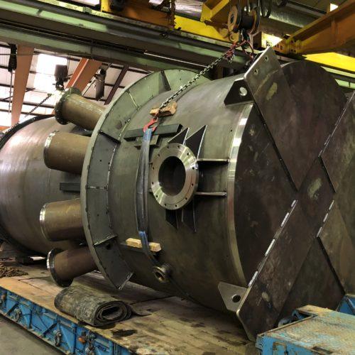 SAS de trempe en acier fabriqué à la chaudronnerie Marmonier (Isère 38 - région Rhône-Alpes) chargé sur un camion de transport